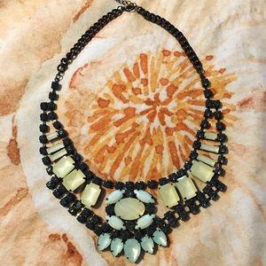 Jewelry - Gorgeous statement necklace✨